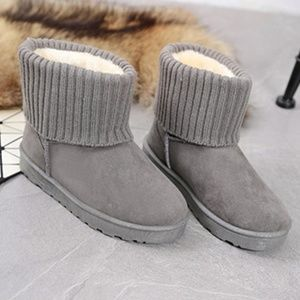Shoes - NEW Gray Cuffed Faux Suede Ankle Booties Size 5.5
